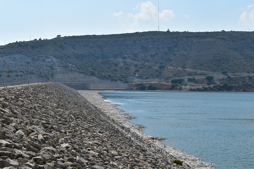 kouris-reservoir_01