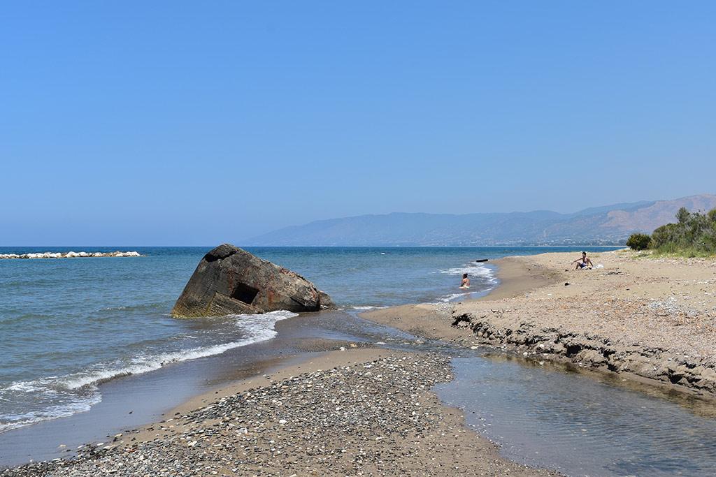 polis-beach_05