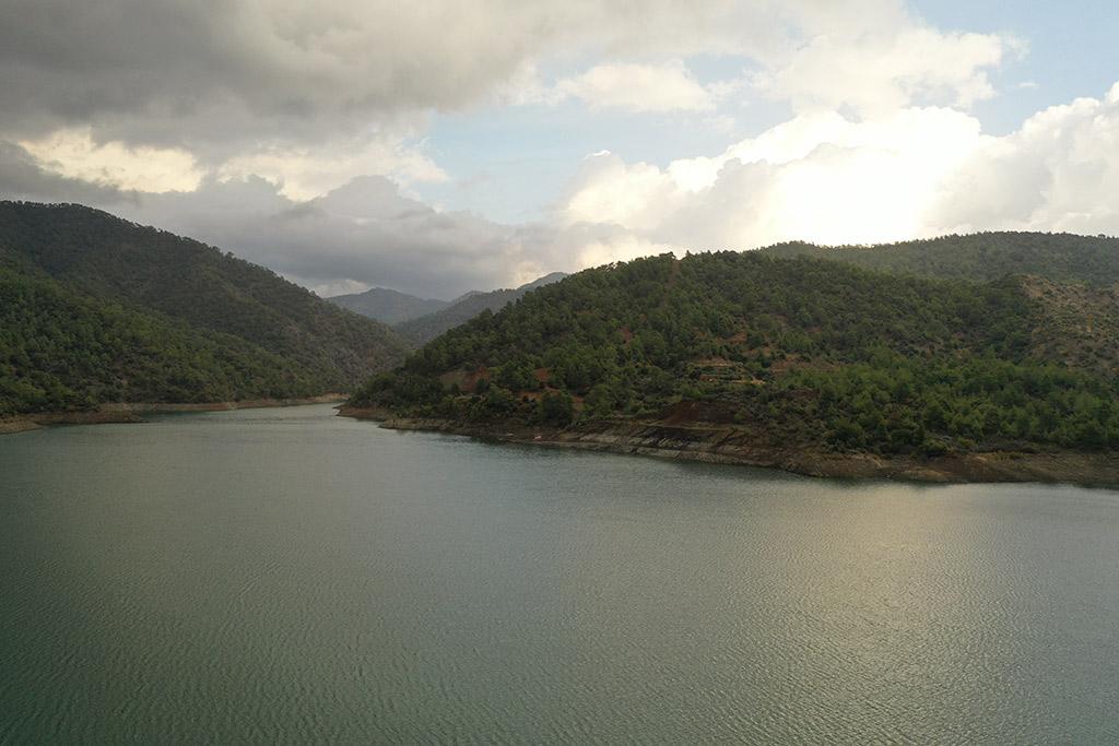 kannaviou-dam-from-above_02