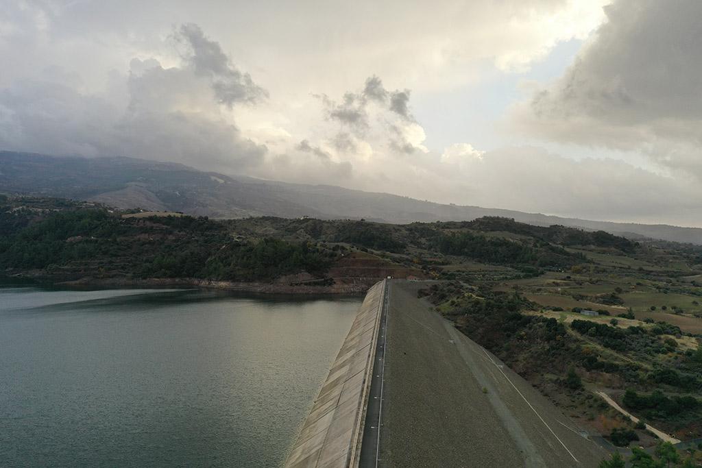 kannaviou-dam-from-above_05