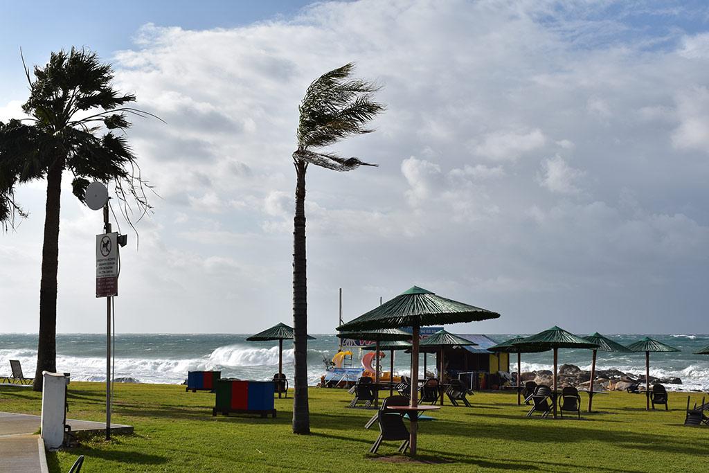 more-stormy-seas_08
