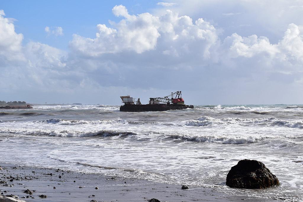 stormy-seas_03