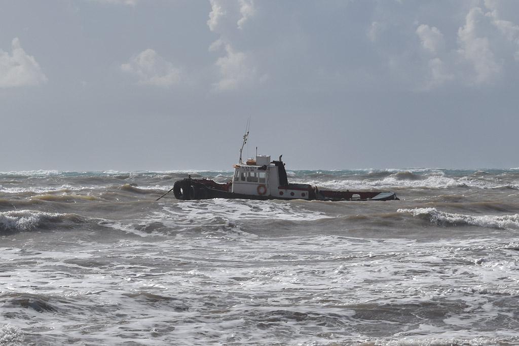 stormy-seas_04