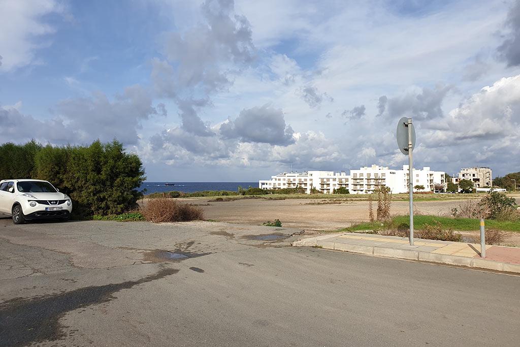 venus-beach-cleanup_01
