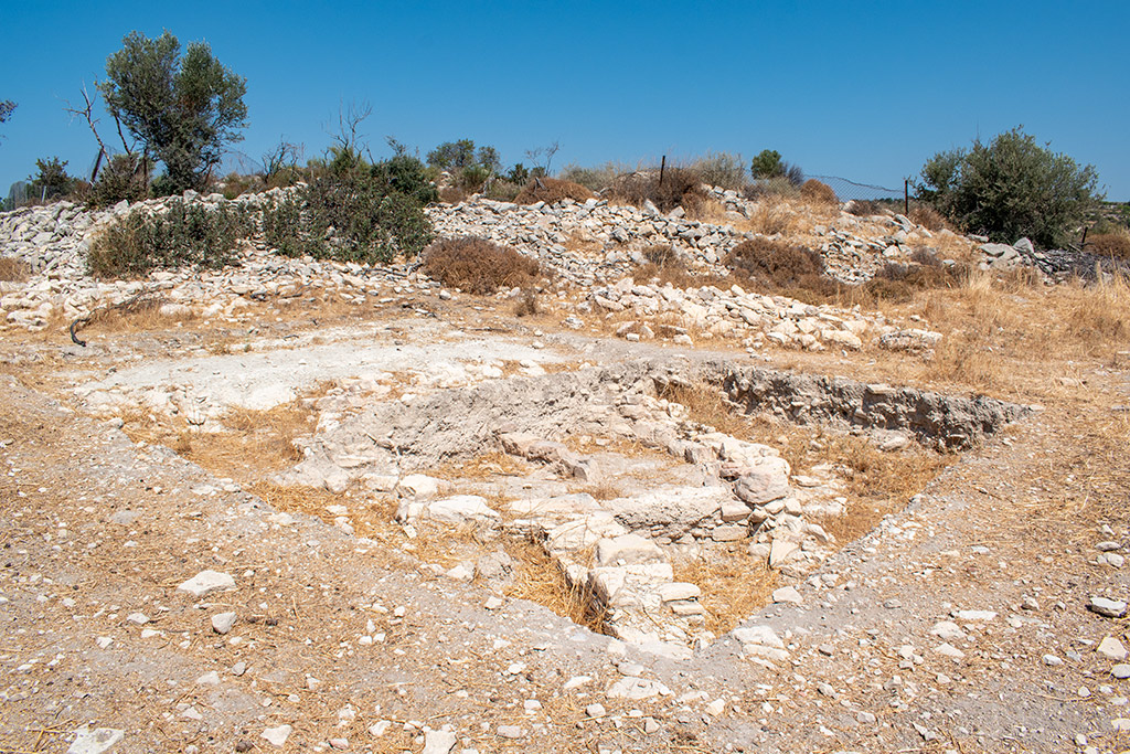 anogyra-vlou-archaeological-site_03