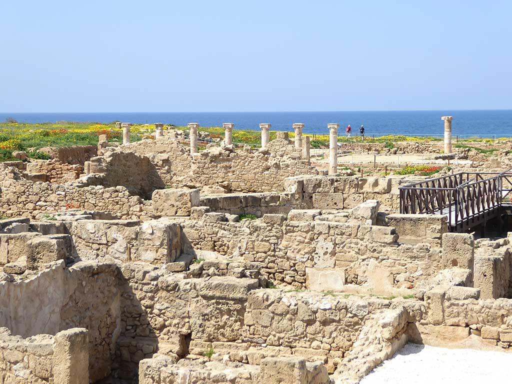03_archaeological_park_pillars