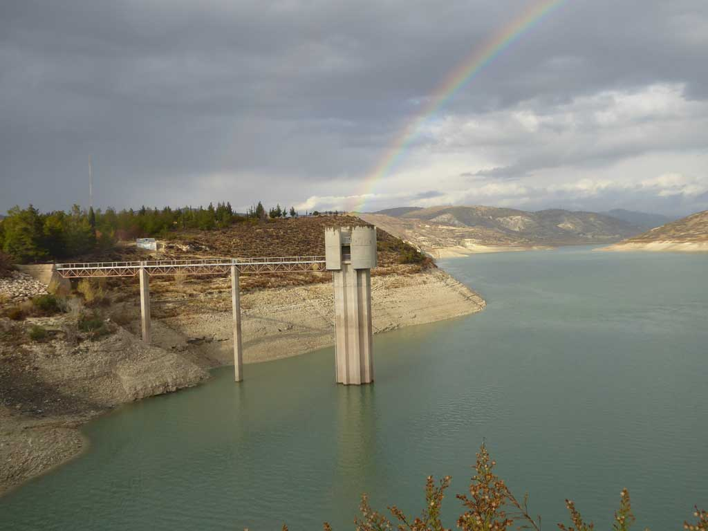 2017_shallow_dam_with_rainbow