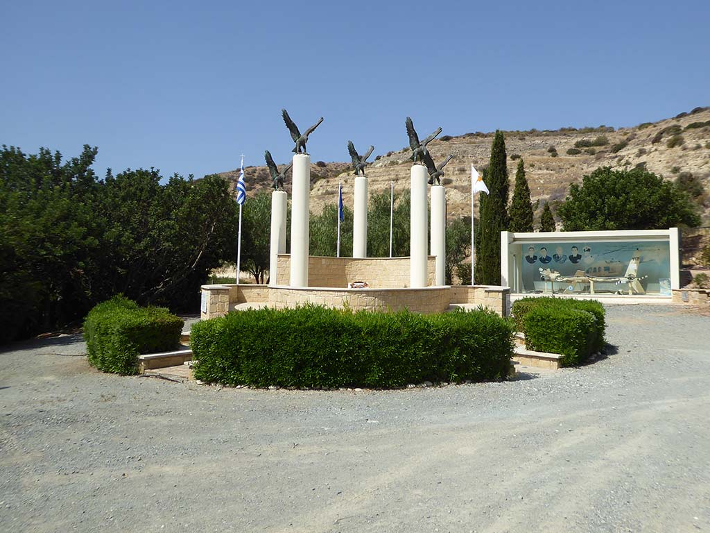 kouklia_memorial_05_the_eagles