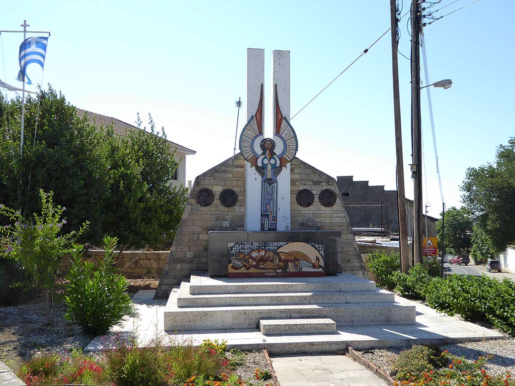 letymbou_05_monument