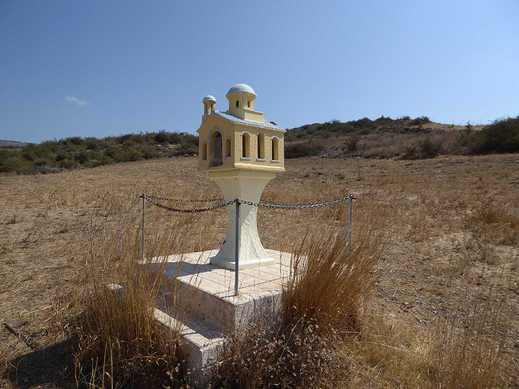 motorway_shrine_05_another_angle