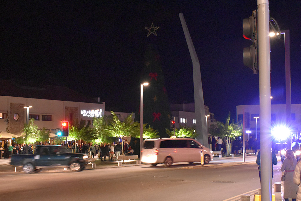 paphos-switch-on_01