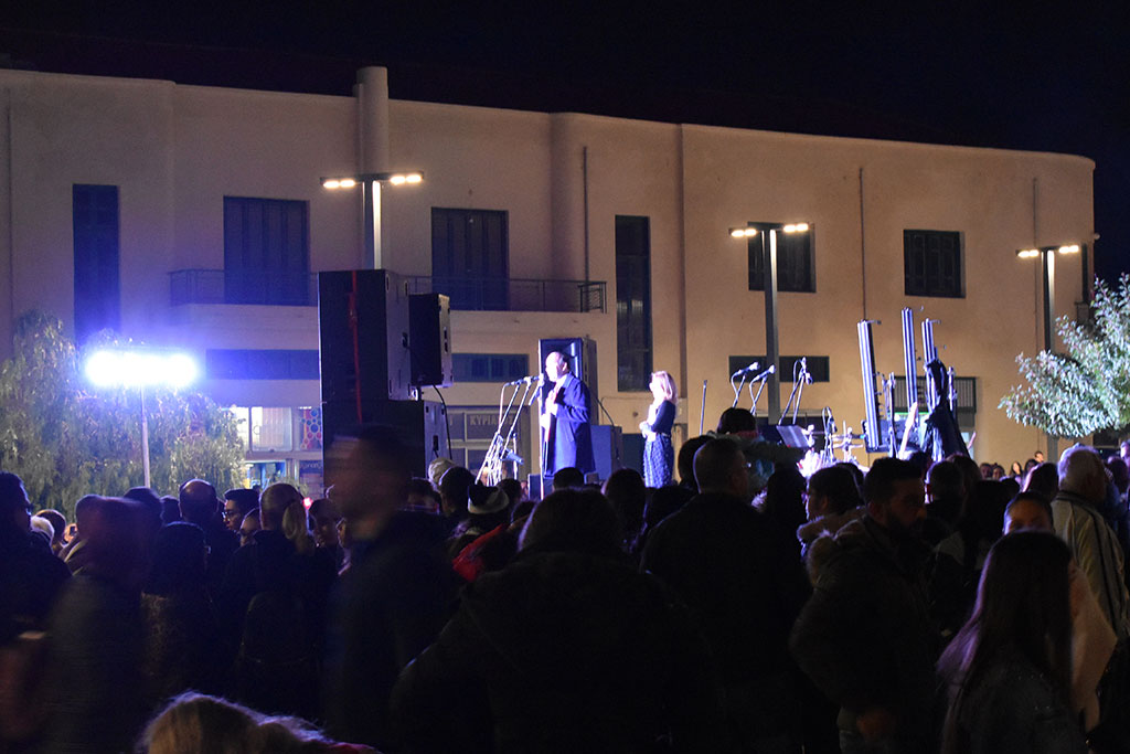 paphos-switch-on_02