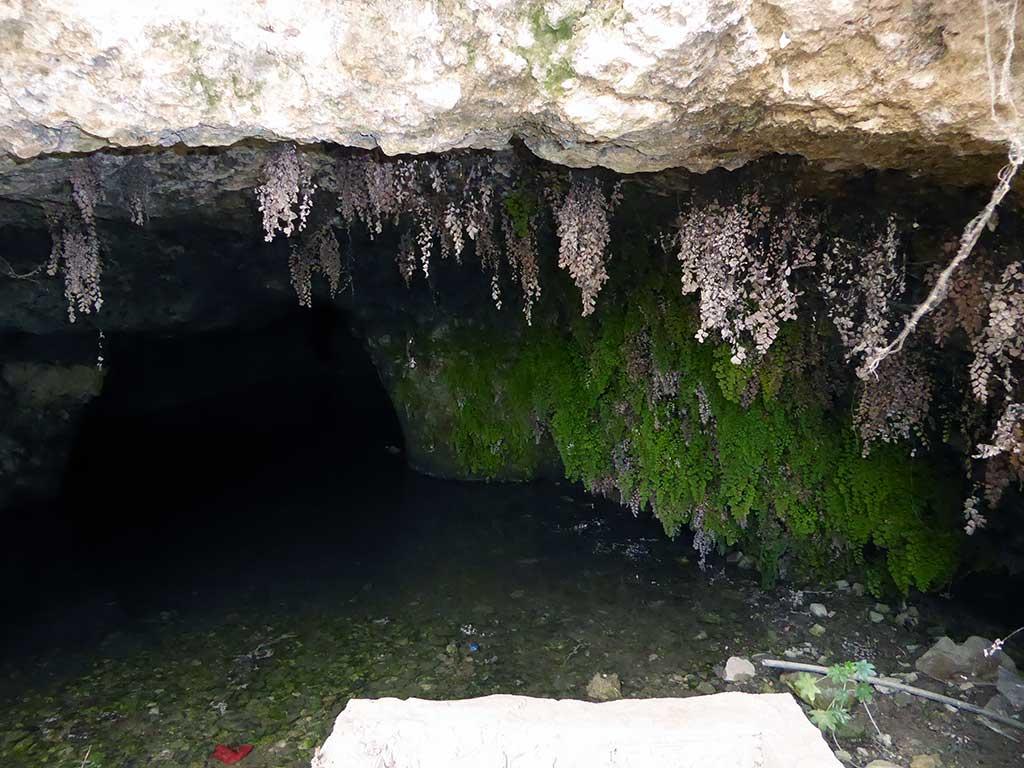 02_underwater_cave