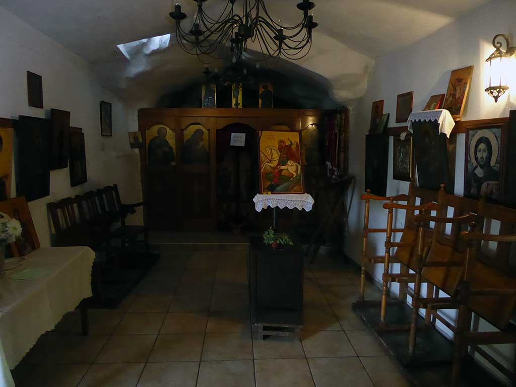 04_inside_church