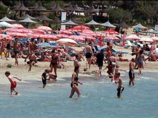 MPs warn against tourism complacency